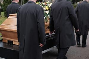 Szara strefa w branży pogrzebowej. Apelują o zmianę przepisów