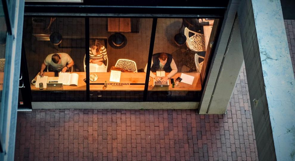 Coraz więcej firm stawia na elastyczne formy czasu pracy. Oto najnowsze dane