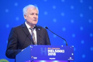 Horst Seehofer chce zmian regulacji azylowych w Niemczech