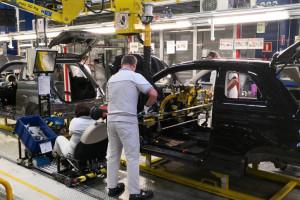 Szykuje się mega fuzja motoryzacyjna. Władze koncernów uspokajają polskich pracowników