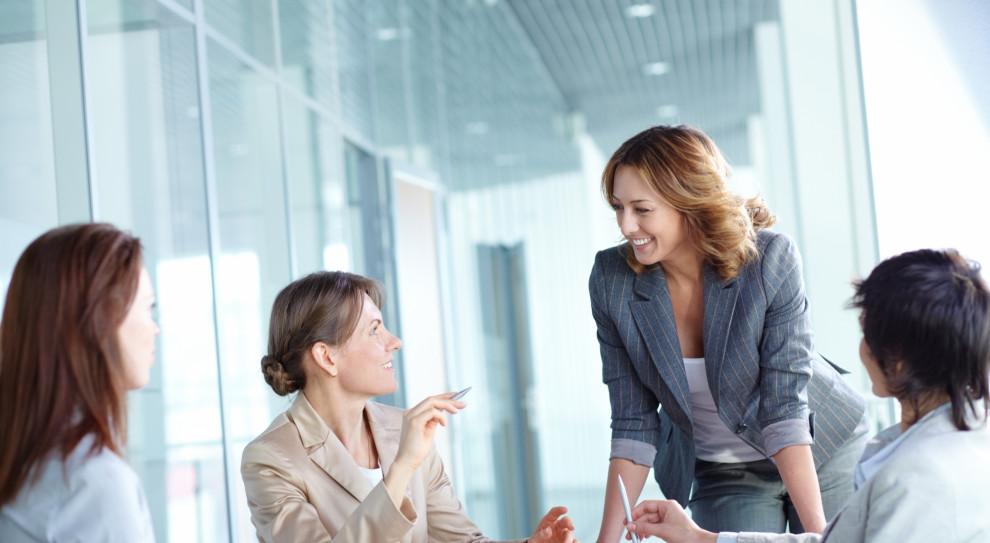 Firmy wspierają kobiety, bo to się opłaca