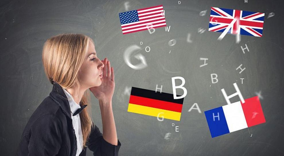 Znasz język angielski? Zarobisz o kilka tysięcy więcej