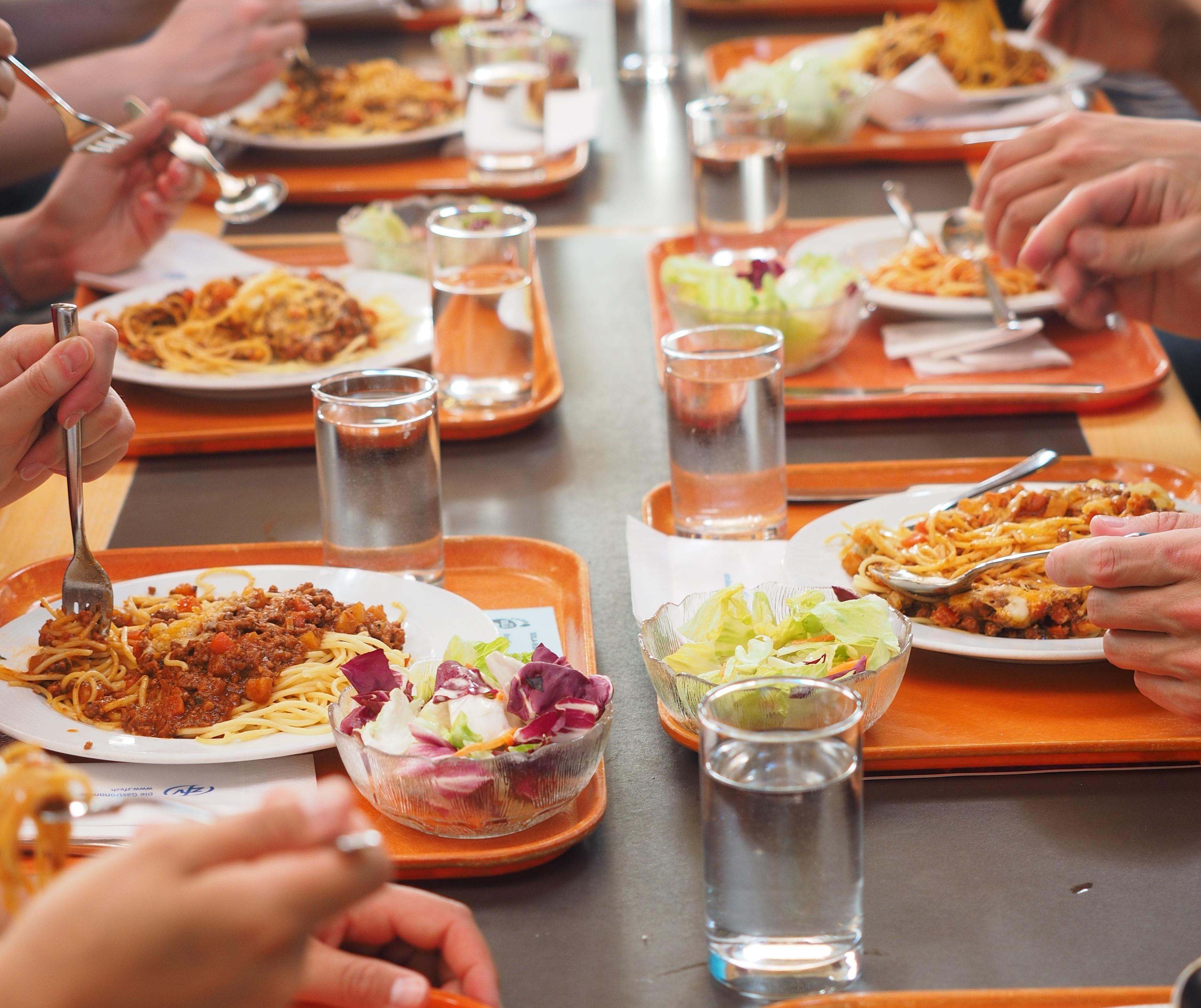 Prawie 70 proc. badanych pracowników oczekuje dofinansowania lunchu w godzinach pracy (fot. pixabay)