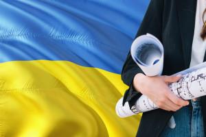 Polski rynek pracy jest nadal mało przyjazny dla obcokrajowców. Oto propozycje zmian