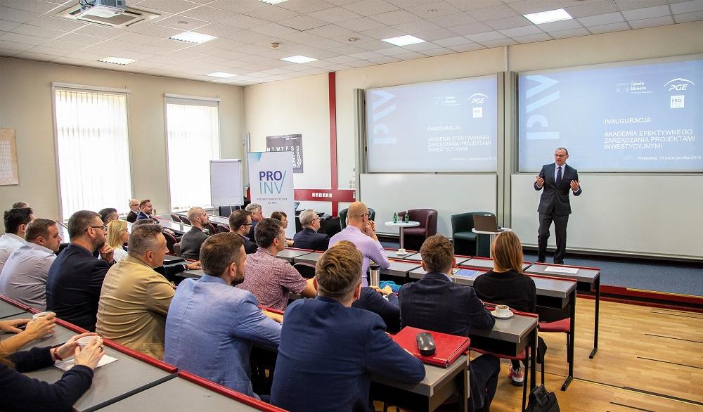 - To bardzo dobrze, że duże firmy podejmują działania, aby dostosować się do tak szybko zmieniającego się świata - mówił prof. Witold Orłowski w czasie inauguracji Akademii. (fot. materiały prasowe)