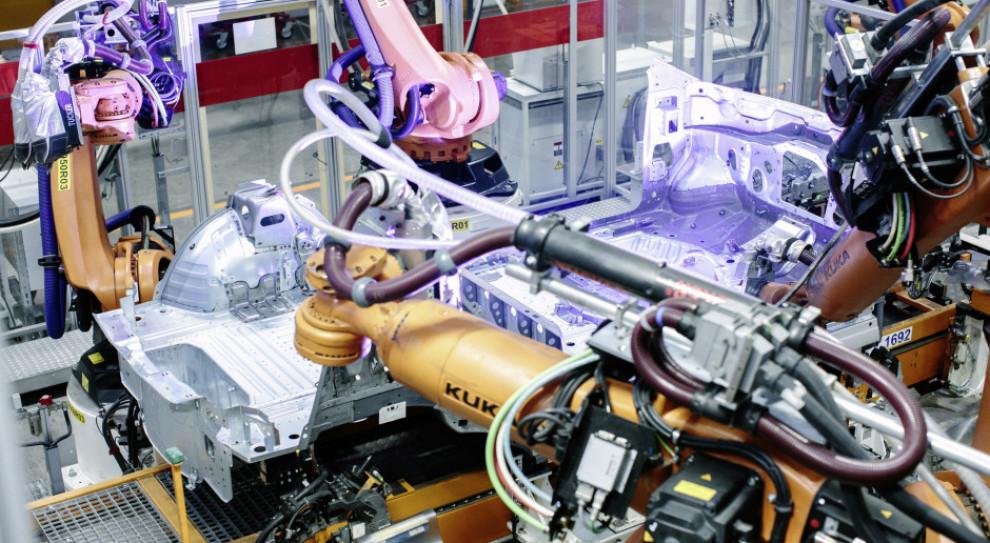 Produkcja przemysłowa w górę w Polsce. A w strefie euro?