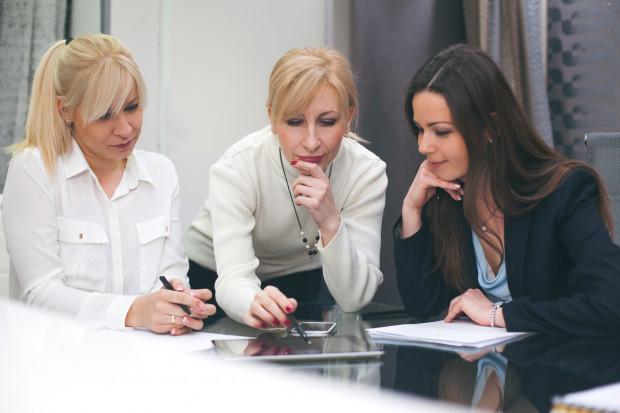 Kobiety w zarządach firm. Oto wnioski z najnowszego raportu