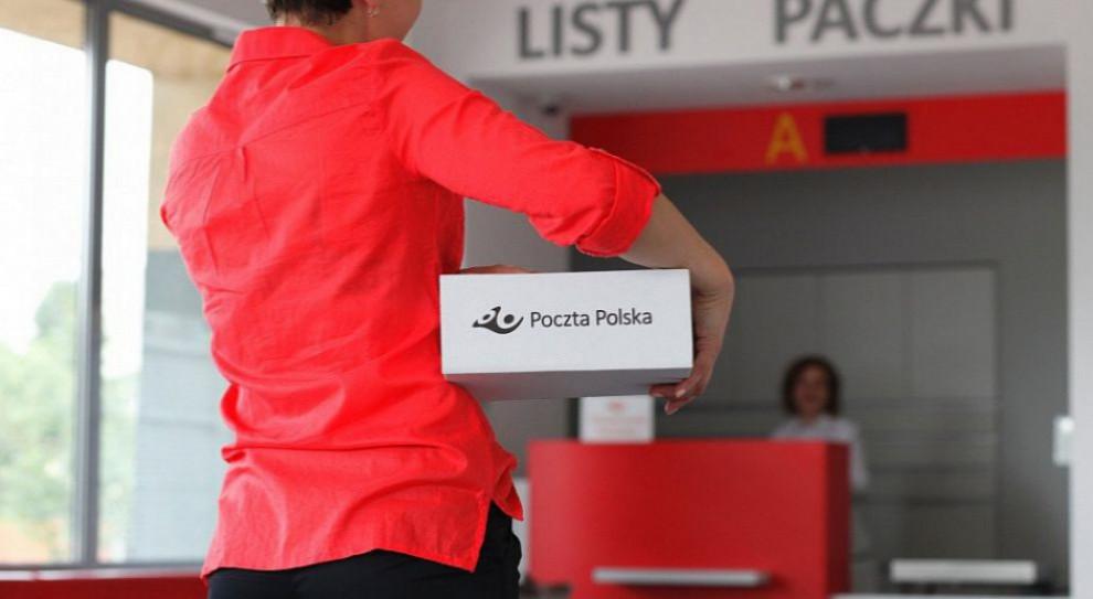 Pracownicy Poczty Polskiej będą doręczać paczki e-busami