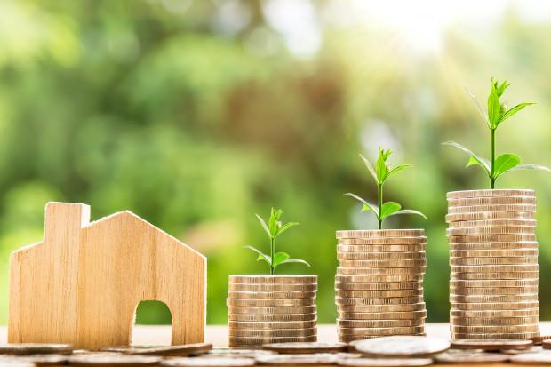 Rosnące wynagrodzenia odbijają się na kredytach