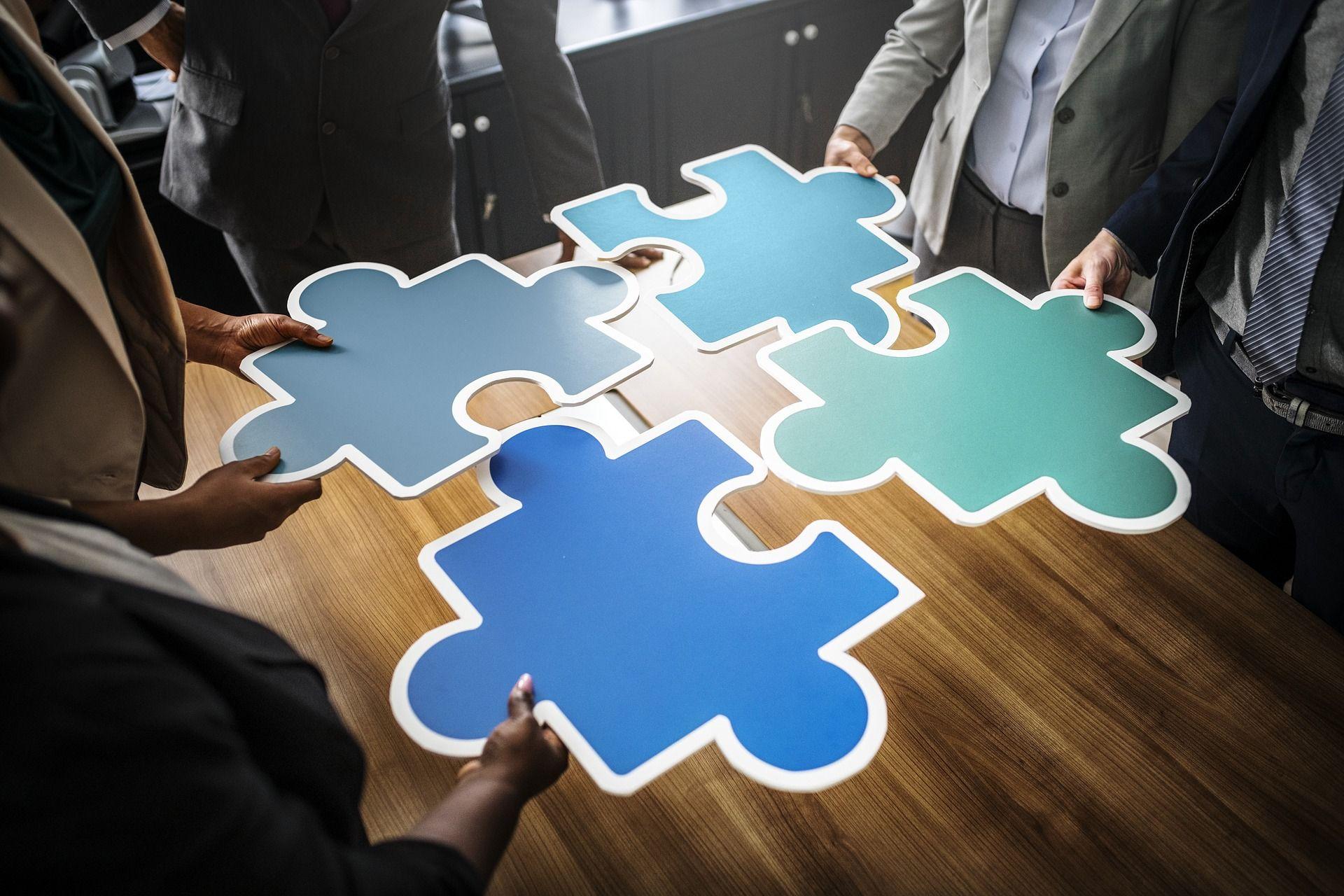 Zdrowy i dojrzały nadzór nad radą nadzorczą pozwala na konsekwentne rozwijanie przyjętej strategii biznesowej, a w efekcie na lepszą realizację planów finansowych (fot. shutterstock)