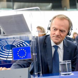Donald Tusk będzie zarabiał półtora raza więcej niż Andrzej Duda