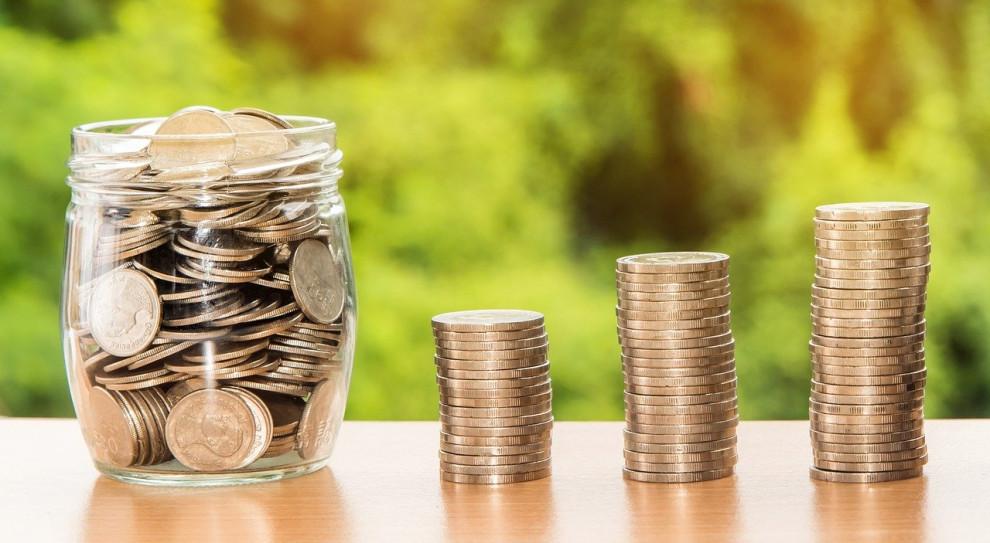 Płace nadal rosną, ale widać spowolnienie