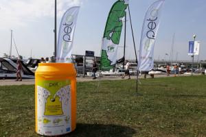 Coca-Cola z Fundacją Nasza Ziemia przekazują pojemniki do selekcji odpadów