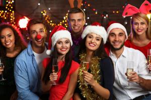 Świąteczne prezenty, premie i imprezy dla pracowników. Tyle chcą wydać firmy