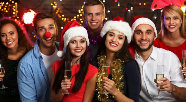 Wigilia firmowa: Tyle chcą wydać firmy na świąteczne prezenty, premie i imprezy dla pracowników