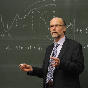 Nie tylko w Polsce nauczyciele chcą lepiej zarabiać. Strajk wisi w powietrzu