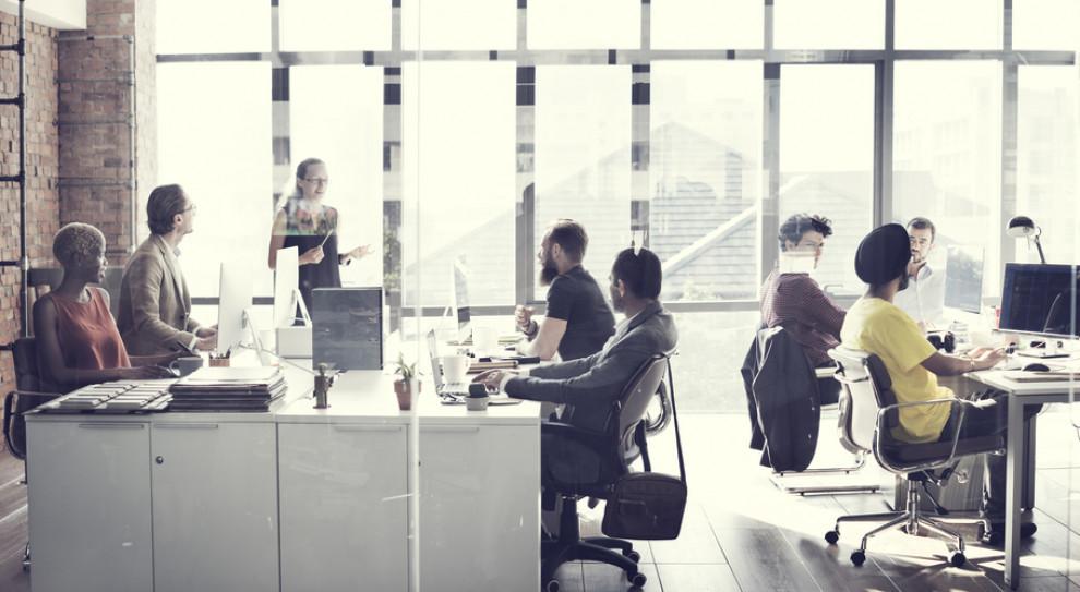 Nowoczesne biuro to część walki o pracownika (fot. Shutterstock)