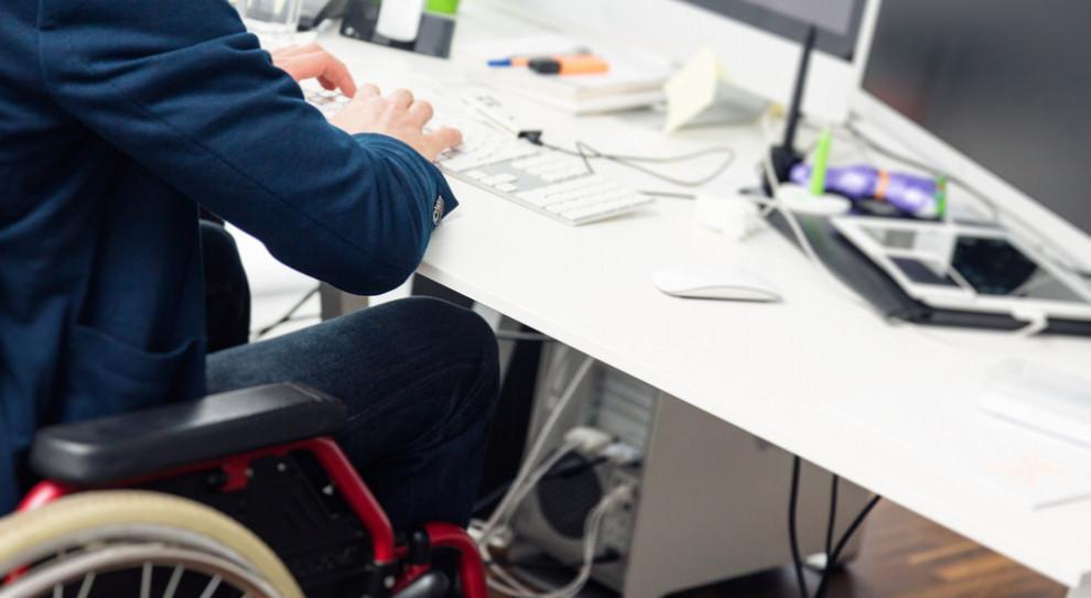 Niepełnosprawni coraz lepiej sobie radzą na dolnośląski rynku pracy