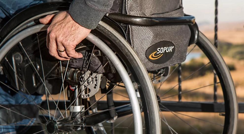 Osoby niepełnosprawne w 2018 roku. GUS sprawdził, gdzie pracowały i się uczyły