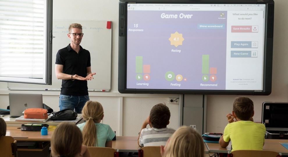 Nauczyciele dostaną podwyżki. Wysokość zależna od sytuacji gospodarczej