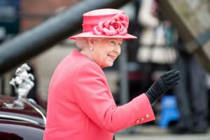 Chcesz pracować z królową Elżbietą II? Pałac Buckingham rekrutuje
