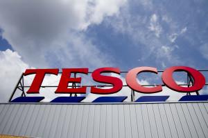 Tesco wstrzymuje współprace z chińskim producentem kartek