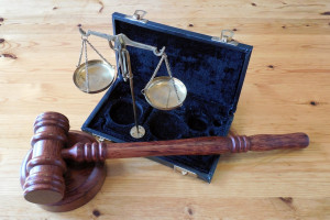 Pełna emerytura dla sędziów po 20 latach pracy