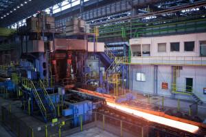 Prezydent Majchrowski na pomoc pracownikom huty ArcelorMittal Poland