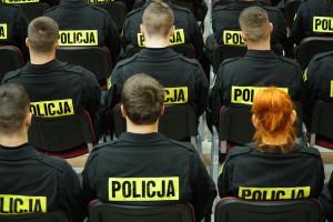 Policjanci mogą dostać wyższe emerytury, stracą za to sędziowie