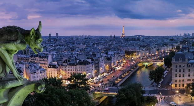 Strajk przeciw reformie emerytalnej trwa. W Paryżu doszło do starć z policją.