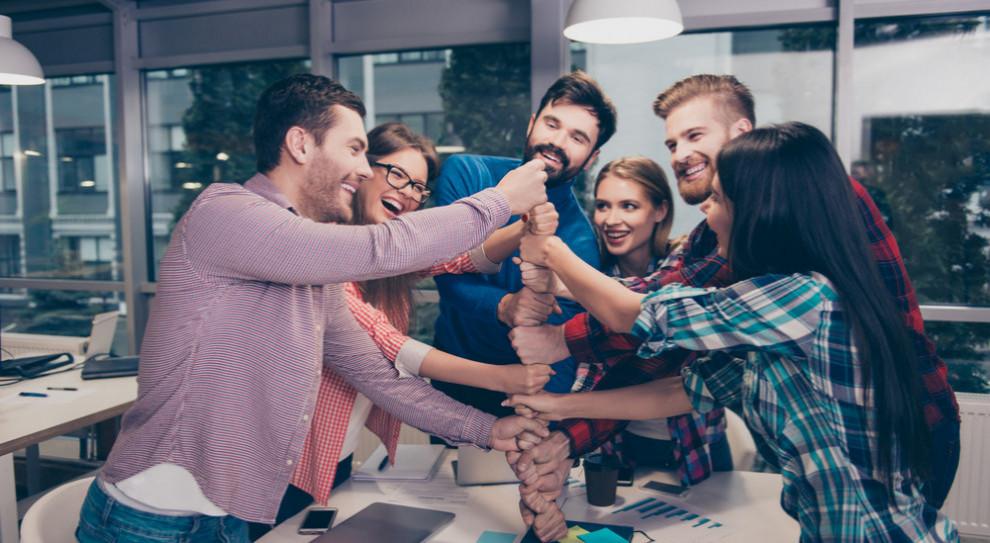 Młodzi najbardziej zadowoleni z pracy. Problemem jest satysfakcja pracowników 50+