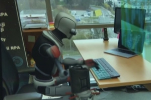 """Pracodawcy mogą wynajmować roboty. """"Prędzej czy później wejdą do każdej firmy"""""""