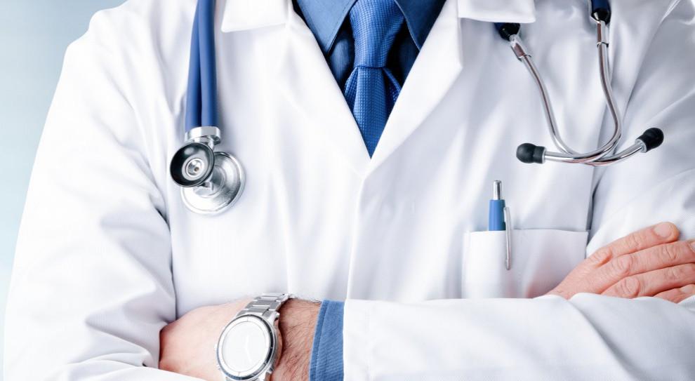 NRL apeluje o powołanie specjalnej podkomisji do projektu zmian ustawy o zawodzie lekarza