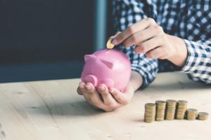 Polacy oczekują podniesienia zarobków oraz podwyższenia rent i emerytur