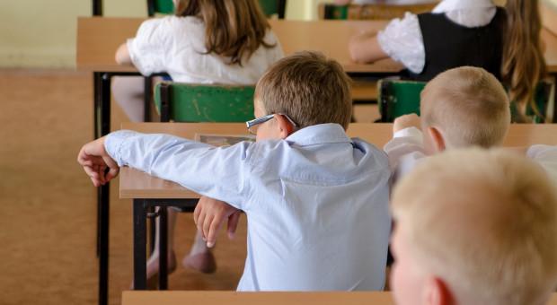 Szkoły ruszają stacjonarnie od 1 września. Rozporządzenie podpisane