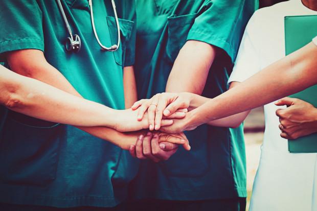 Projekt o wynagrodzeniu lekarzy stażystów do konsultacji