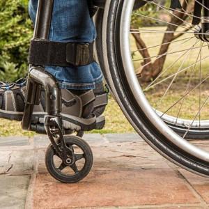Wyższa pensja minimalna zamknie niepełnosprawnym drzwi do rynku pracy?
