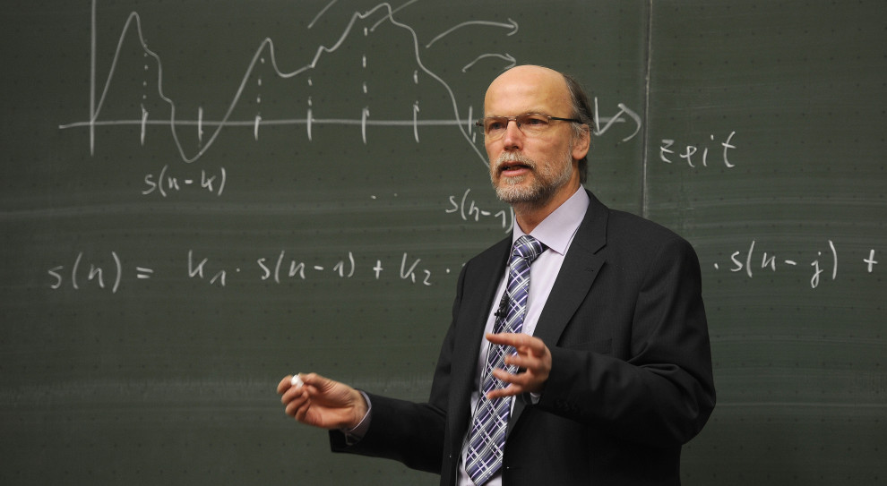 Elektroniczne legitymacje także dla nauczycieli akademickich