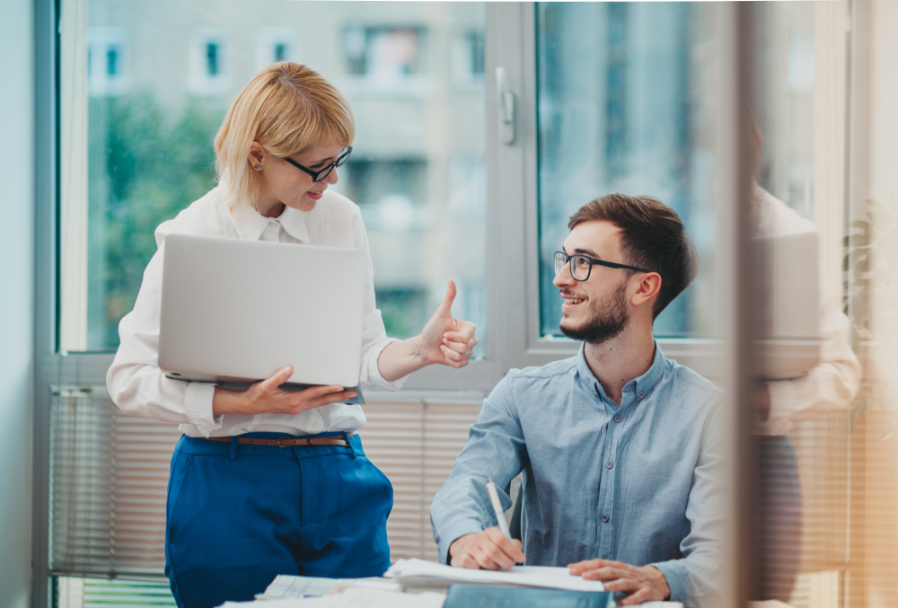 Menedżerowie miewają problemy z delegowaniem zadań i uprawnień. (Fot. Shutterstock)