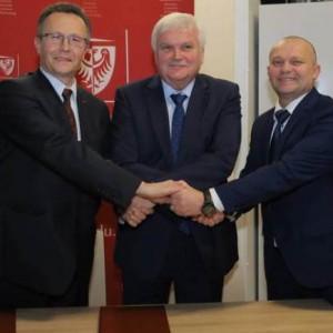 BCC rozpoczyna współpracę z Politechniką Wrocławską