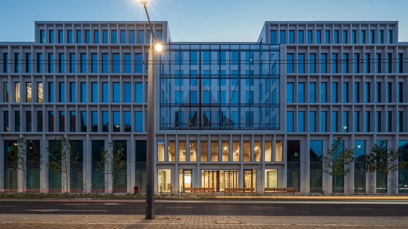 Ze względu na wykorzystane rozwiązania biurowiec Nowy Targ został certyfikowany zgodnie z systemem oceny LEED Platinum. (fot. materiały prasowe)