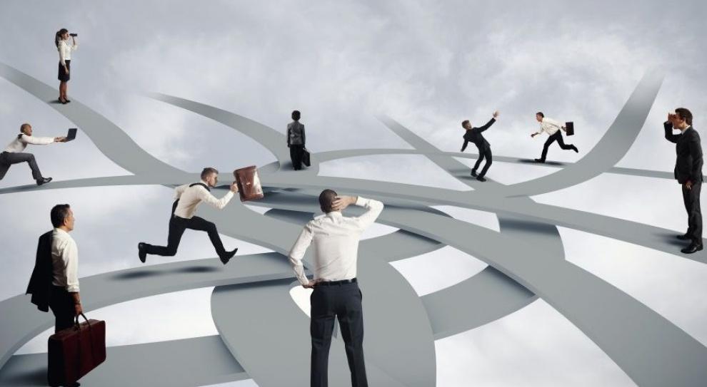Oprócz ścieżki pionowej, specjalistycznej i poziomej, istnieje czwarty typ kariery – opartej na autonomii. (Fot. Shutterstock)