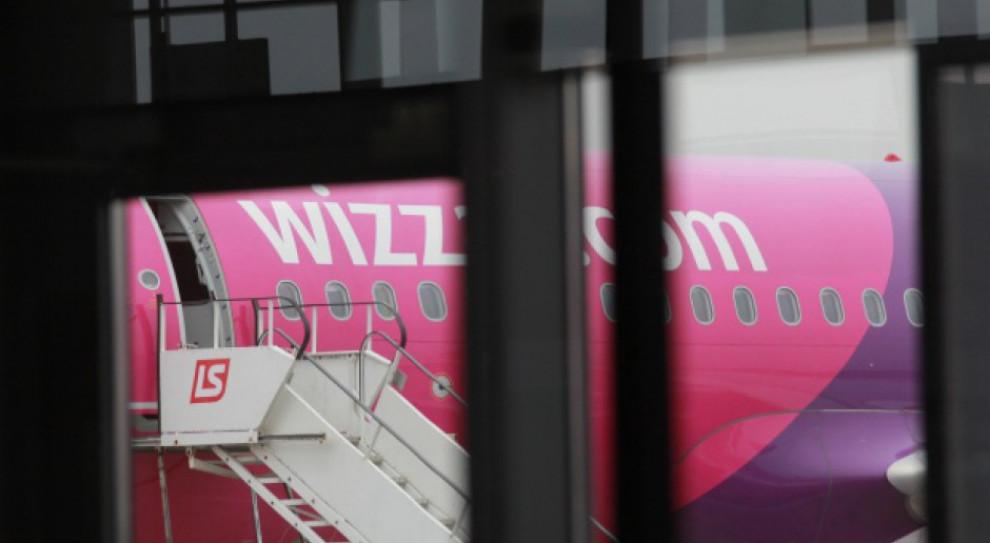Chcesz zostać stewardesą lub stewardem? Wizz Air rusza z rekrutacją w Polsce