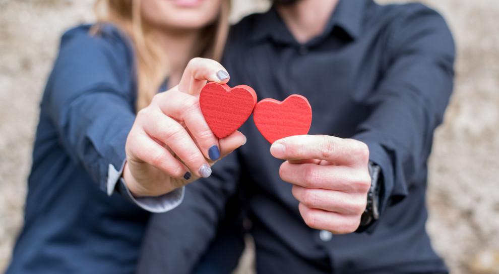 Walentynki 2020. Miłość w pracy to dobry pomysł? To wyzwanie dla zespołu i szefa