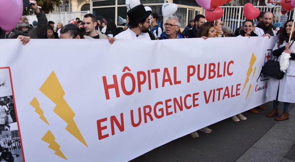 Protesty służby zdrowia we Francji