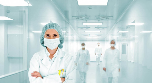 MZ: koronawirusa potwierdzono dotąd m.in. u ponad 1,3 tys. lekarzy, 3 tys. pielęgniarek i 100 diagnostów