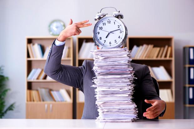 Raport: Wynagrodzenia dla pracowników i podatki priorytetem dla firm