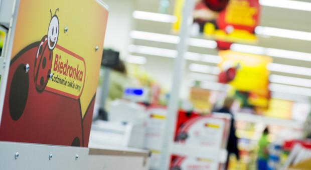 Pracownicy uciekają z Biedronki przez handlowe niedziele? Firma zaprzecza