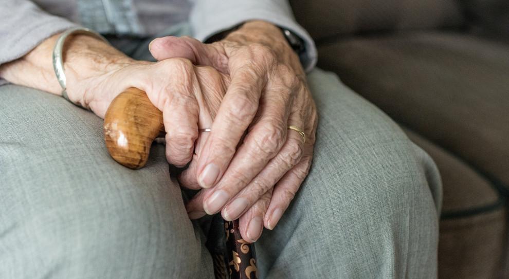 KE krytykuje Polskę. Chodzi o reformę systemu emerytalnego