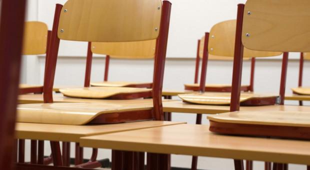 Szkoła lub przedszkole zamknięte z powodu wirusa? Rodzicom przysługuje zasiłek